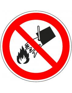 Niet blussen met water sticker, ISO 7010, P011, rood wit, pictogram niet blussen met water, rond