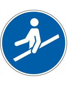 pictogram trapleuning gebruiken, blauw wit, rond, ISO 7010, M012